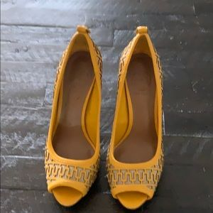 Tory Burch yellow logo platforms size 6